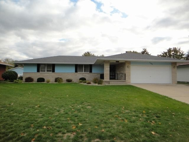 709 e rosewood st watseka il 60970 for Rosewood ranch cost