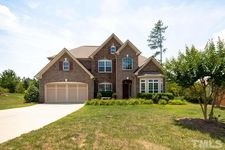 109 Holly Glen Ct, Holly Springs, NC 27540