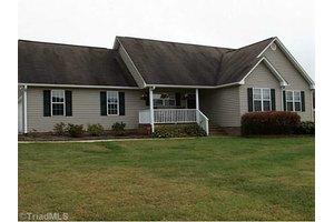105 Church View Dr, Greensboro, NC 27455