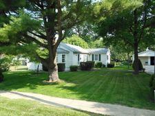 260 W North St, Warrensburg, IL 62573