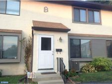 22 Fitzwatertown Rd Unit B7, Willow Grove, PA 19090