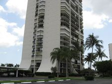 2400 Presidential Way Apt 602, West Palm Beach, FL 33401