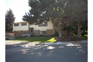 8705 W Pembrook Dr, Boise, ID 83704