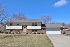 103 Robert Dr, Normal, IL 61761