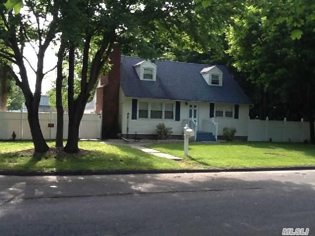Suffolk County Sales Tax >> 141 Stanley Dr, Centereach, NY 11720 - realtor.com®