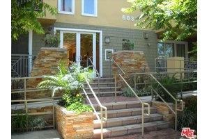 6038 Carlton Way Apt 403, Los Angeles, CA 90028