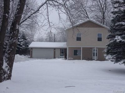 24214 Middlebelt Rd, New Boston, MI