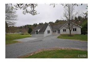 3015 Mahoning Mountain Rd, East Penn Township, PA 18235