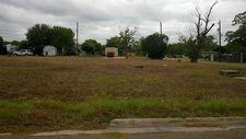 810B S Virginia St, Port Lavaca, TX 77979