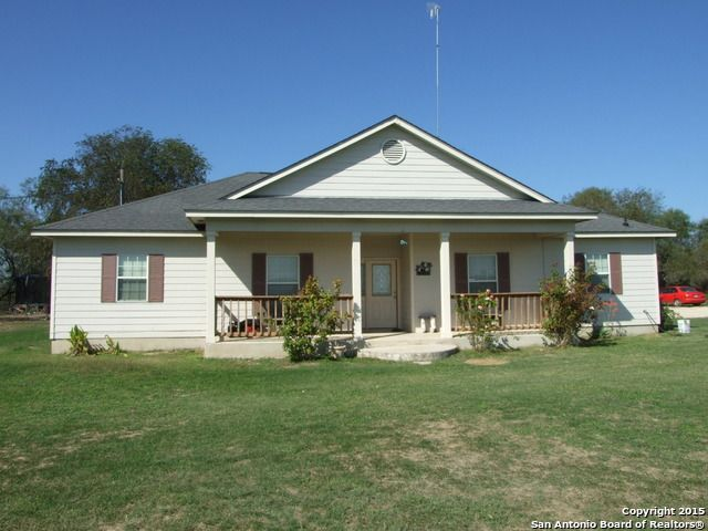 1045 state highway 132 devine tx 78016 home for sale