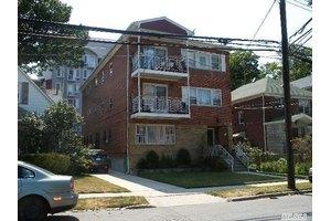 8378 Daniels St, Briarwood, NY 11435
