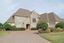 3941 Pointe Dr, Lakeland, TN 38002