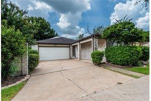 1542 Beaconshire Rd, Houston, TX 77077