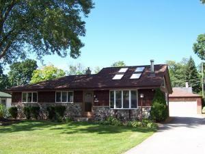 N92w17052 Roger Ave, Menomonee Falls, WI 53051
