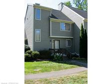 35 Reed Ct, Bloomfield, CT 06002