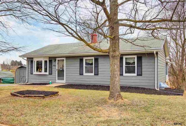 4925 lincolnwood dr york pa 17408 home for sale and real estate listing