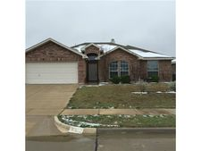 912 Mesa Vista Dr, Crowley, TX 76036