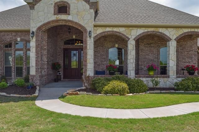 118 Top Flight Dr Weatherford, TX 76087