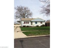 19711 Hathaway Ln, Warrensville Heights, OH 44122