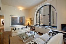 150 Nassau St Apt 2C, New York City, NY 10038