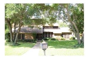 3737 Ridgewood Dr, Grand Prairie, TX 75052