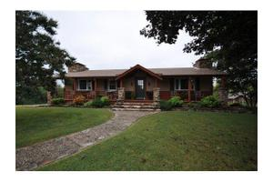 450 Gray Fox Rd, Blue Eye, MO 65611