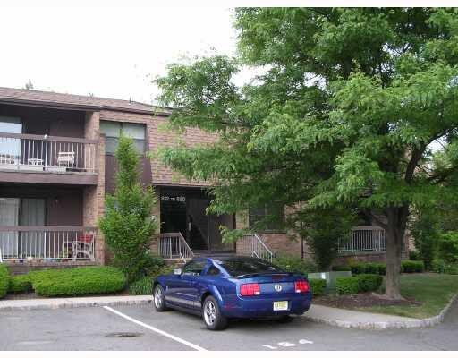815 Sharon Garden Ct, Woodbridge, NJ 07095 - realtor.com®