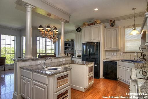 Kitchen Cabinets In Kerrville Tx