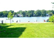 1295 Lakeview Dr, Wolverine Lake, MI 48390