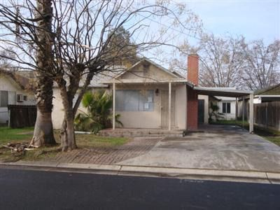 2111 Franklin St Escalon, CA 95320