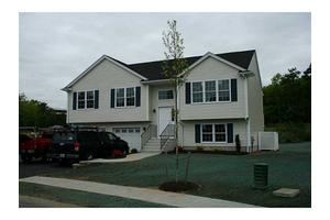 83 Roland Robinson Way, North Kingstown, RI 02852