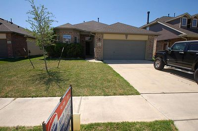 7811 Flowing Oak Ln, Cypress, TX