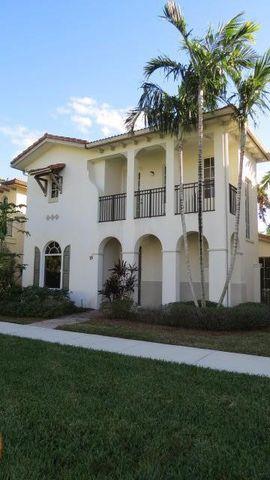 26 Stoney Dr, Palm Beach Gardens, FL 33410