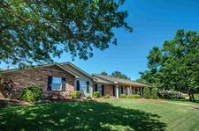 200 Rolling Meadows Dr, Jackson, MS 39211