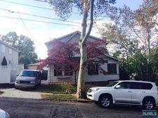 466 Chestnut St, Ridgefield, NJ 07657