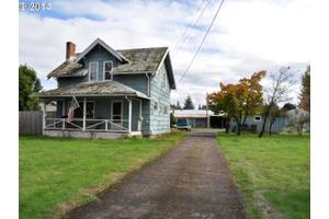 19060 S End Rd, Oregon City, OR 97045