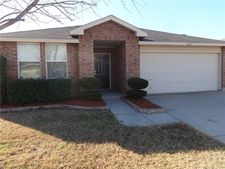 1620 Baxter Springs Dr, Fort Worth, TX 76247