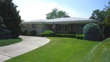 37305 Mariano Dr, Sterling Heights, MI 48312