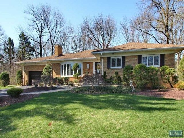 9 tancin ln clifton nj 07013 home for sale and real for Granite kitchen and bath clifton nj