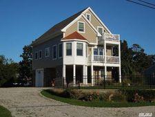 30 Town Beach Rd, Jamesport, NY 11947