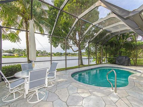 466 Crossfield Cir, Naples, FL 34104