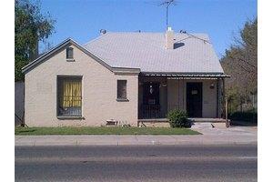 2907 E Olive Ave, Fresno, CA 93701