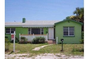 911 SW 6th Ave, Delray Beach, FL 33444