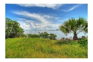 210 Milford Point Rd, Merritt Island, FL 32952