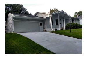 2440 26th Ave, Marion, IA 52302