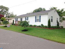 1700 Olympus Ave, Blackwood, NJ 08012