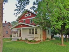 408 2nd St Sw, State Center, IA 50247