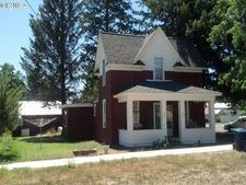 875 3rd St, North Powder, OR 97867