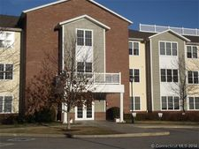 2590 Gold Star Hwy Apt 103, Groton, CT 06355
