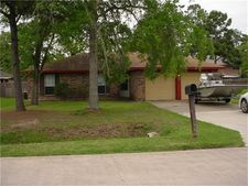 9823 Bayou Woods Dr, Baytown, TX 77521